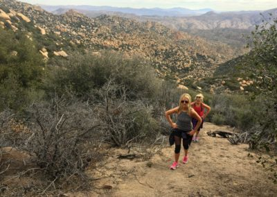 Pinnacles-Peak-Lake-Arrowhead-Hiking-Trail-4