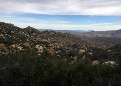 Pinnacles-Peak-Lake-Arrowhead-Hiking-Trail-7
