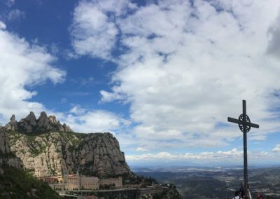 spain hiking trail, montserrat, montserrat map, best hiking trail in spain, where to hike near barcelona, montserrat trail maps