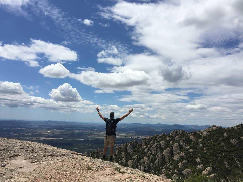 spain hiking trail, montserrat, montserrat map, best hiking trail in spain, where to hike near barcelona, montserrat trail maps