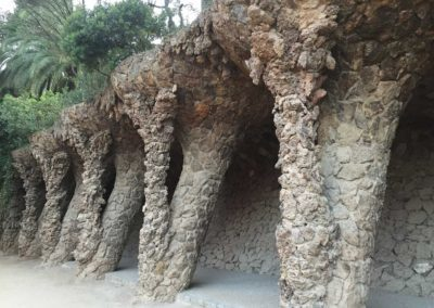 park-guell-gaudi-barcelona-spain-easy-hiking-trail-1