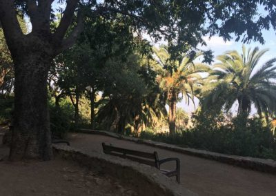 park-guell-gaudi-barcelona-spain-easy-hiking-trail-13