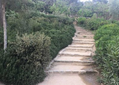 park-guell-gaudi-barcelona-spain-easy-hiking-trail-18