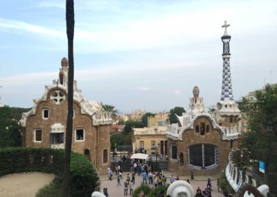 park-guell-gaudi-barcelona-spain-easy-hiking-trail-31
