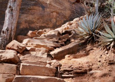 sedona-hiking-trail-devils-bridge-13