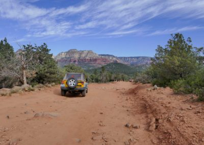 sedona-hiking-trail-devils-bridge-16