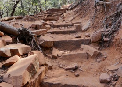 sedona-hiking-trail-devils-bridge-17